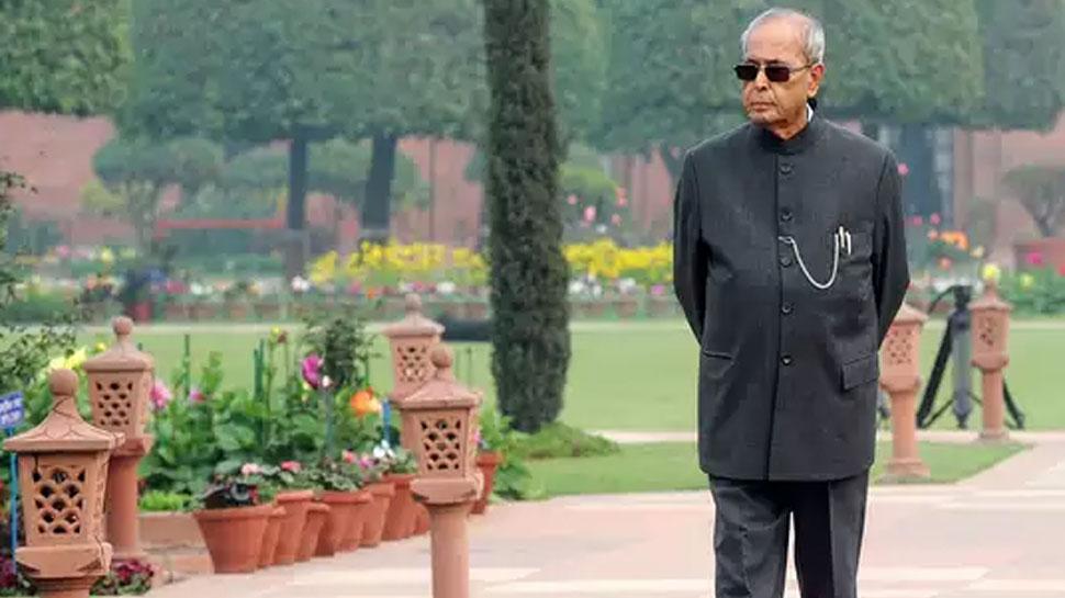 अलविदा प्रणब दा: क्लर्क से भारत के राष्ट्रपति बने, इंदिरा से करीबी तो राजीव से तल्खी भी रही