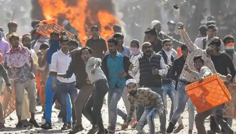 इन लोगों ने भड़काया था दिल्ली में दंगा, स्पेशल सेल की चार्जशीट में खुलासा - Zee News Hindi