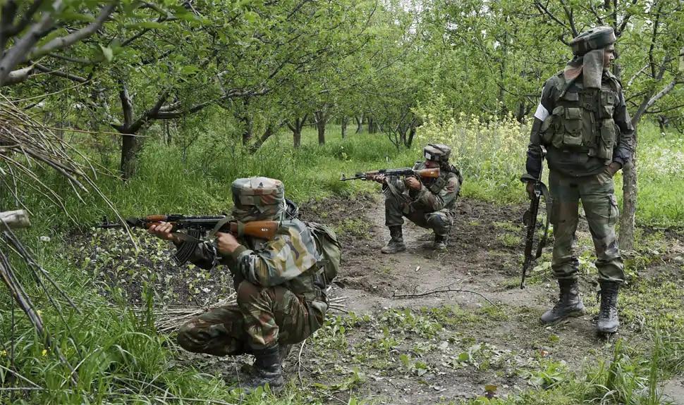 J&K: राजौरी में लश्कर के 3 आतंकी गिरफ्तार, भारी मात्रा में हथियार और विस्फोटक बरामद