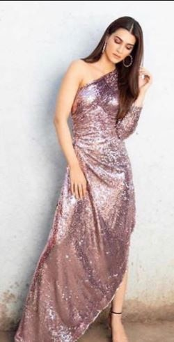 kkriti sanon in shimmery dress