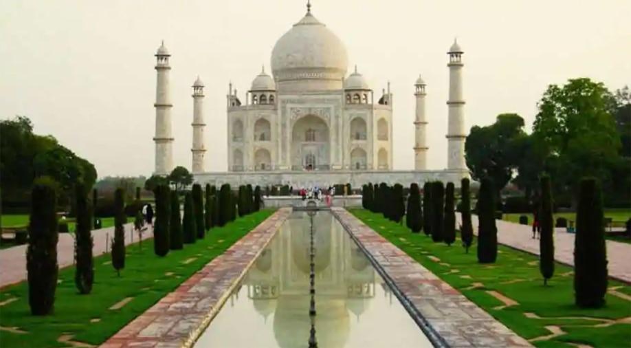 छह माह बाद खुला ताजमहल, दीदार के लिए सबसे पहले पहुंचा इस देश का यात्री