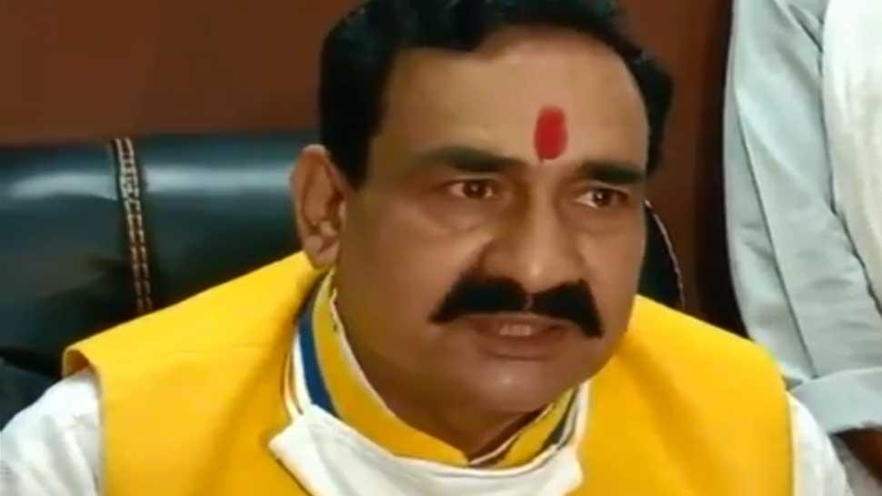U-turn 'क्यों लगाऊं मास्क', फिर हुआ विवाद तो गृहमंत्री ने पलट दी बात-'माफी दे दो लगाऊंगा मास्क'