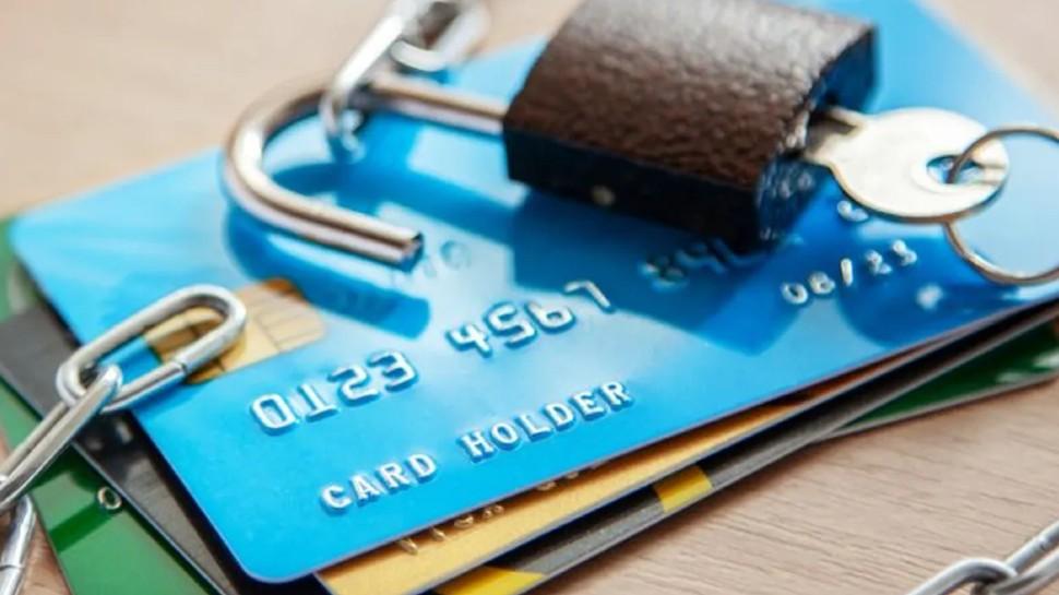 आज से बदल गए डेबिट, क्रेडिट कार्ड से लेन-देन के नियम, पेमेंट करने से पहले ध्यान से पढ़ें