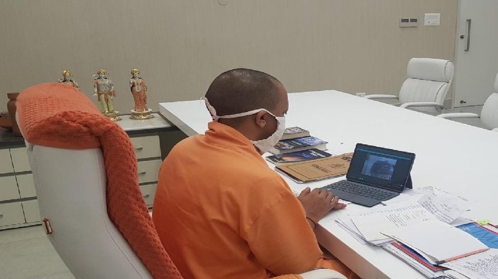हाथरस केस: CM योगी ने की पीड़िता के पिता से बात, मुआवजे का ऐलान