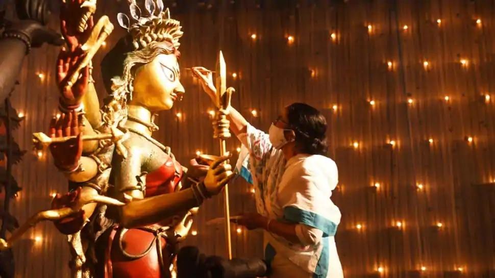 दुर्गा पूजा कमेटियों को अनुदान देने पर कलकत्ता HC ने जताई आपत्ति, पूछे ये 5 सवाल