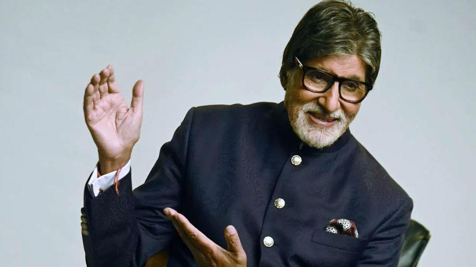 छोटा बच्चा गाना गाते हुए पिता को लगा रहा है डांट, अमिताभ बच्चन ने शेयर किया यह मजेदार Video