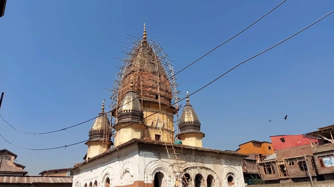 कश्मीर के बदल रहे हैं हालात: आतंकियों द्वारा जलाए गए मंदिर का होगा जीर्णोद्धार