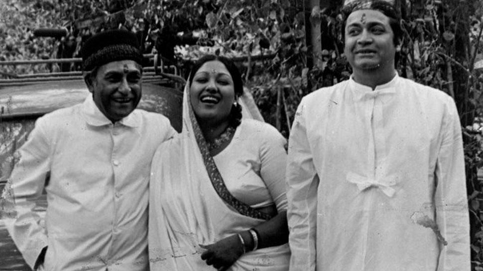 Kishore Kumar sang the song at the wedding