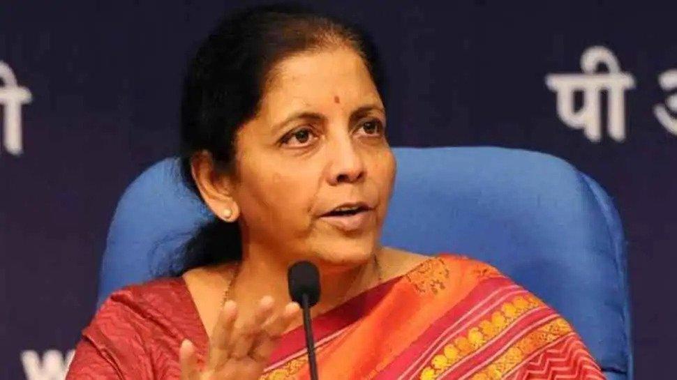 दलित बच्ची के रेप-मर्डर पर कांग्रेस पर भड़की निर्मला, राहुल-प्रियंका पर लगाए ये आरोप