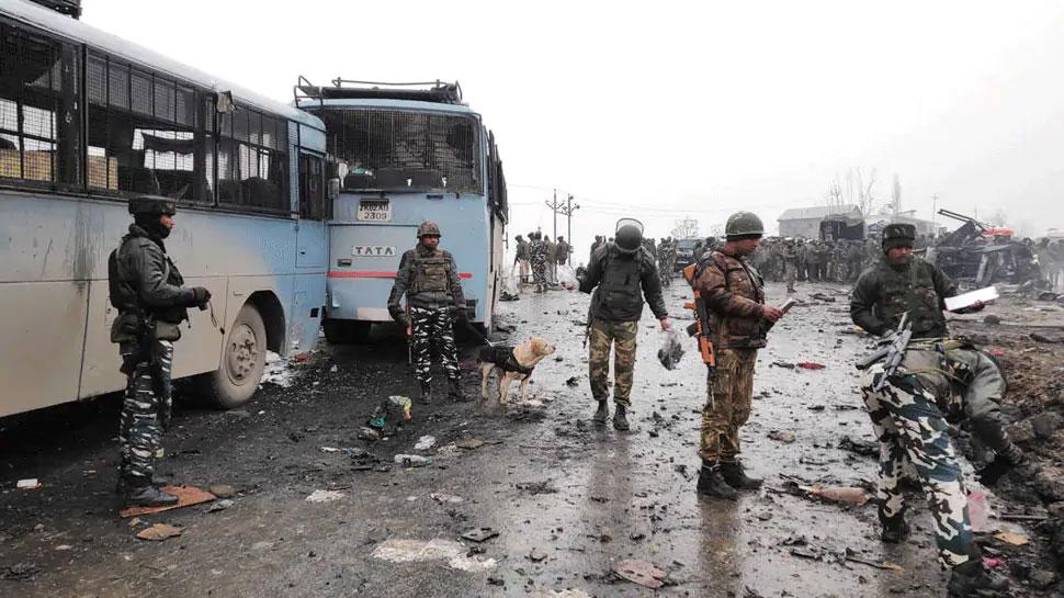 पुलवामा हमले पर PAK का कबूलनामा, मंत्री ने कहा-हमने घर में घुसकर मारा - Zee News Hindi