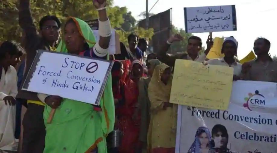 पाकिस्तान: 13 वर्षीय ईसाई लड़की के अपहरण, धर्म परिवर्तन पर फूटा लोगों का गुस्सा