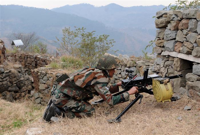 पाकिस्तानी सेना ने पुंछ के 3 सेक्टरों में गोले दागे, भारत ने दिया मुंहतोड़ जवाब