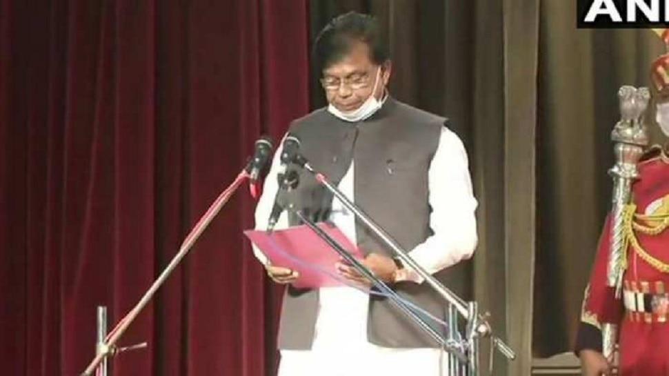 बिहार: दागी मेवालाल चौधरी को मंत्री बनाकर घिरे CM नीतीश कुमार, RJD-कांग्रेस बोली...