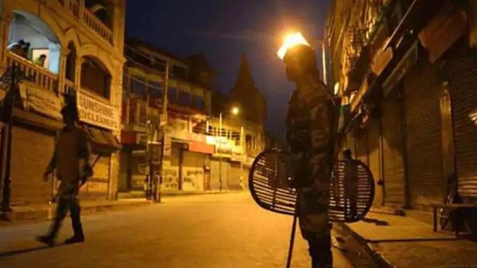Corona का कहर: महाराष्ट्र और गुजरात के बाद अब इस राज्य में सख्ती, 8 जिलों में नाइट कर्फ्यू