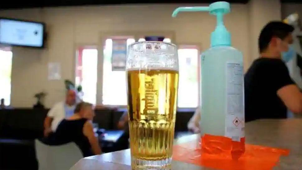 शराब नहीं मिली तो पी लिया Sanitizer, 7 की मौत, 2 कोमा में पहुंचे