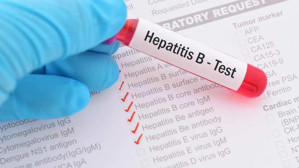 बेहद खतरनाक है Hepatitis B, जानें लक्षण, बचाव और कैसे फैलता है रोग
