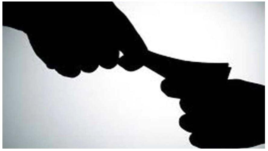 Bribery In India: घूसखोरी में टॉप पर भारत, पुलिस सबसे भ्रष्ट; सांसद भी नहीं पीछे: सर्वे