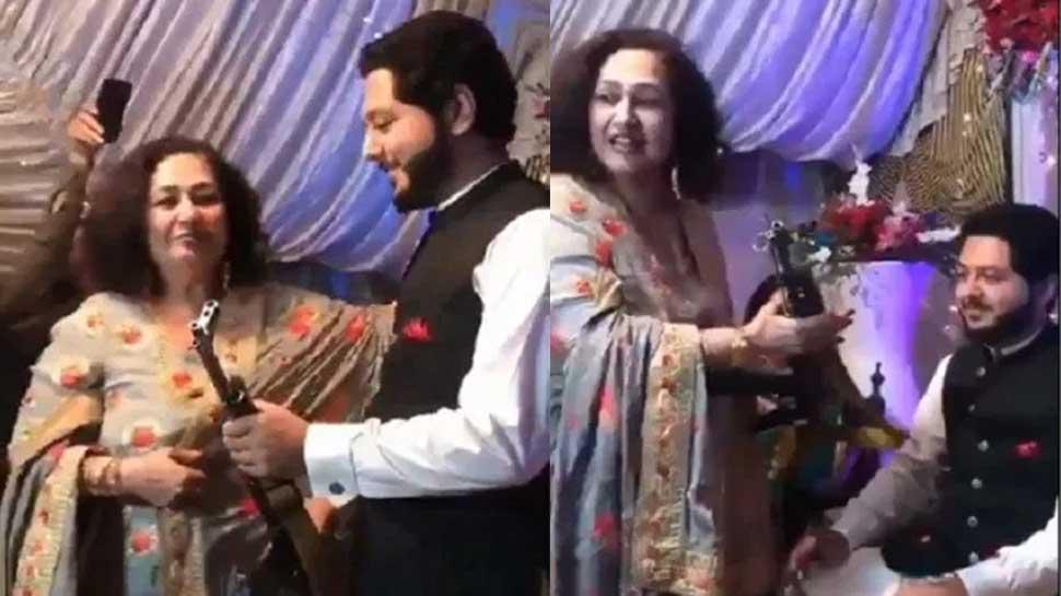 Pakistan में निकाह के बाद सास ने दामाद को गिफ्ट की AK-47, Video हुआ वायरल