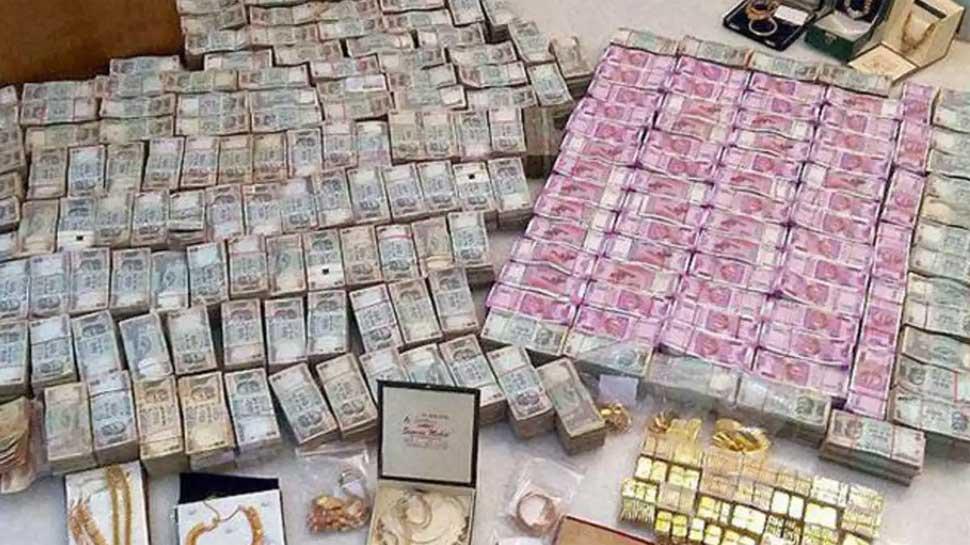 IFS अधिकारी के घर छापेमारी, बेटे के अकाउंट में मिले 9.4 करोड़, संपत्ति देख फटी रह गई टीम की आंखें