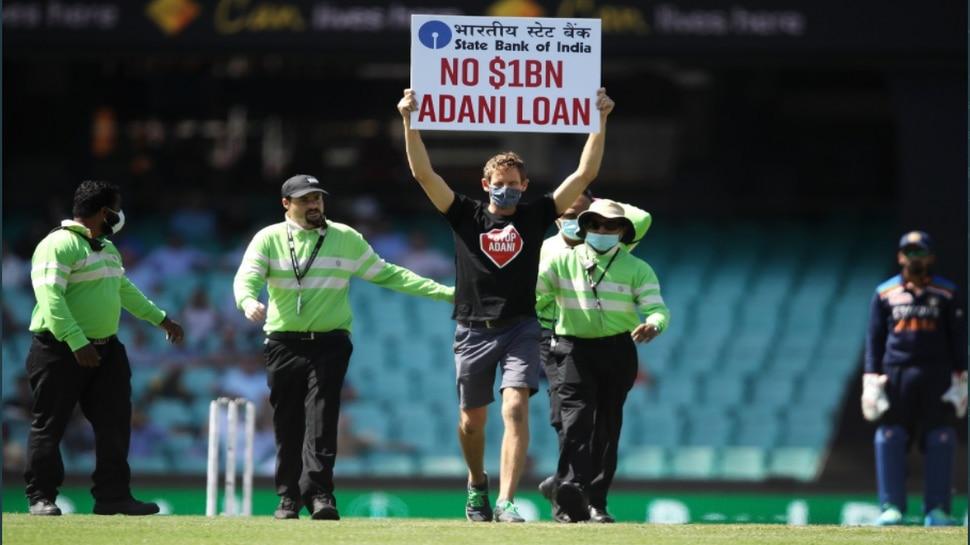 IND vs AUS: पहले वनडे मैच के दौरान हुआ ये बड़ा बवाल, बीच में रोकना पड़ा मुकाबला