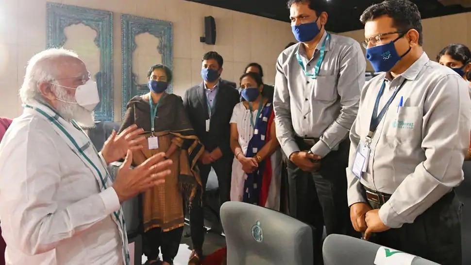 खुशखबरी: आप तक जल्द ही पहुंच सकती है कोरोना वैक्सीन, PM मोदी ने लिया जाएजा
