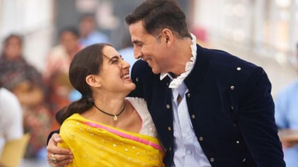 'अतरंगी' हुईं Sara Ali Khan, बांधे Akshay Kumar की तारीफ के पुल
