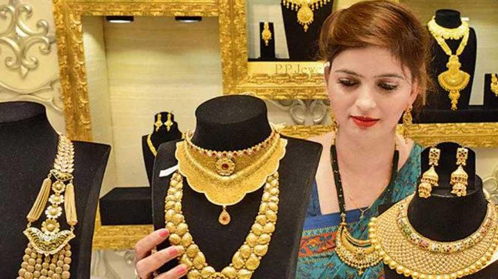 Gold Price Today, 10 December 2020: आज का सोने का भाव: सोना हुआ और भी सस्ता, चांदी के दाम बढ़े