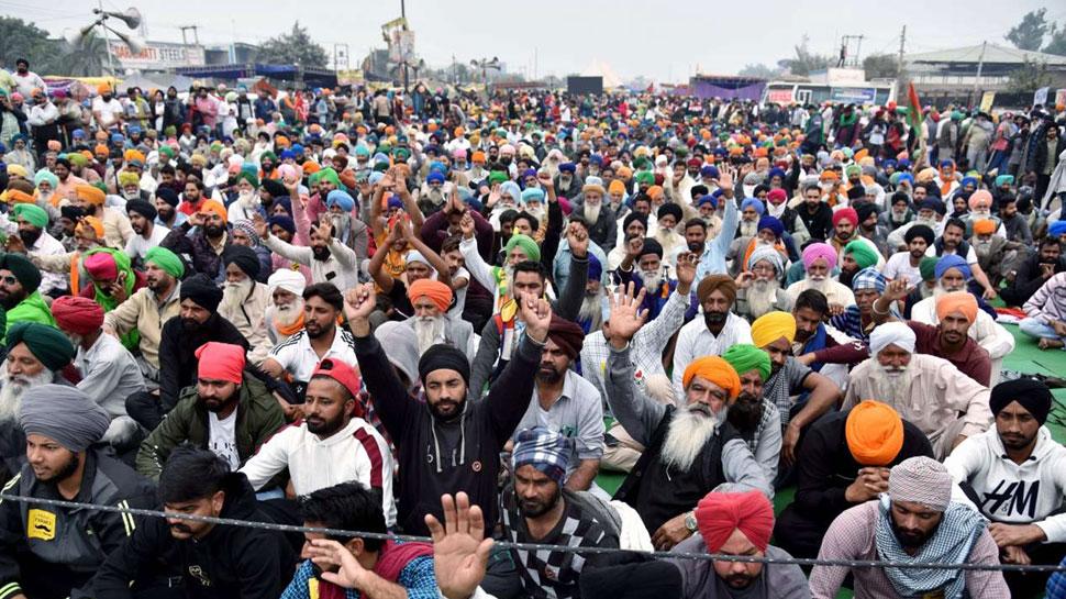 रक्षा मंत्री से मुलाकात के बाद किसानों ने खोला दिल्ली-नोएडा बॉर्डर, 12 दिन से था बंद