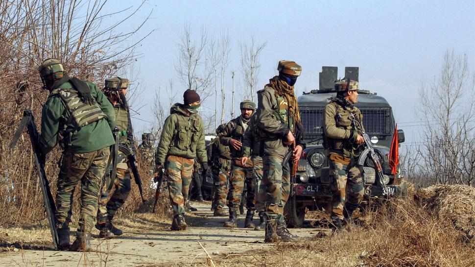 श्रीनगर: PDP नेता हाजी परवेज अहमद के घर हमला, PSO की मौत, सर्च ऑपरेशन जारी