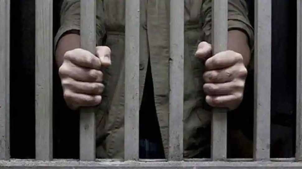 लुंगी का इस्तेमाल कर जेल से भागा था कैदी, 11 साल बाद पुलिस ने धर धबोचा