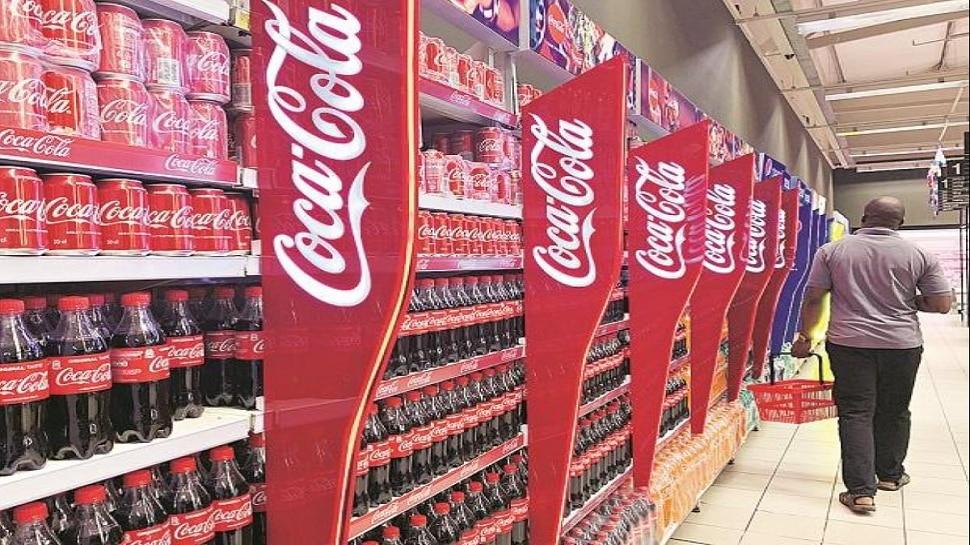 Coca-Cola का ऐलान, 9% आय गिरने के बाद 2200 लोगों को दिखाएगी बाहर का रास्ता