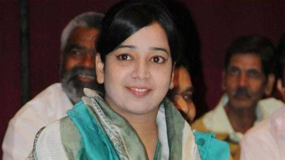 Delhi riot: तिहाड़ जेल में बंद आरोपी Ishrat Jahan को महिला कैदियों ने पीटा, जानिए क्या है कारण
