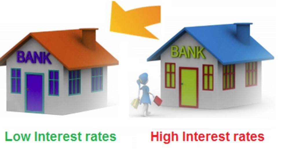 Home Loan: क्या आपका बैंक ज्यादा ब्याज वसूल रहा है? तुरंत अपनाएं ये तरीका, कम हो जाएगी EMI