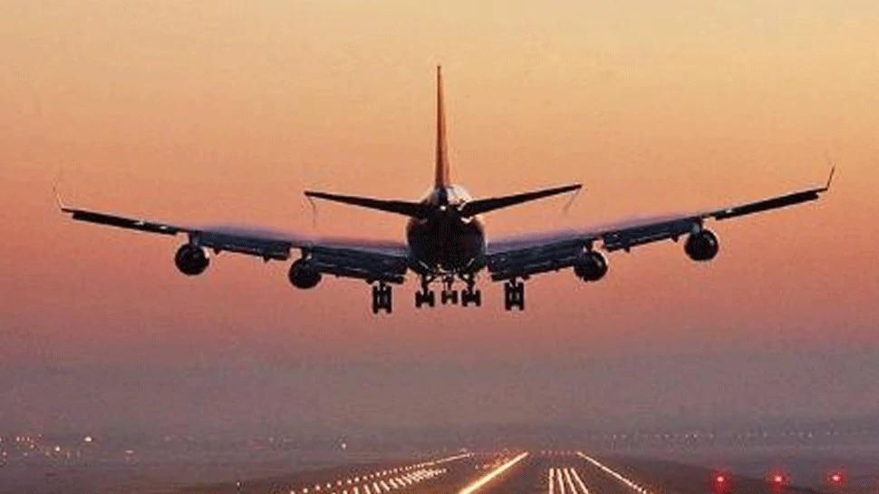 ब्रिटेन में कोरोना के नए स्ट्रेन के बीच उड़ानों पर बढ़ सकती है रोक: विमानन मंत्री