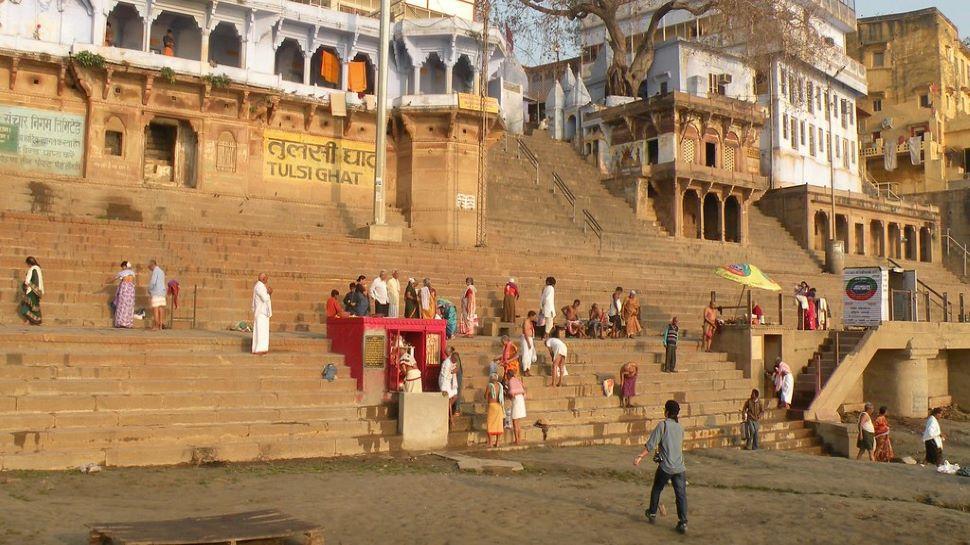 Tulsi Ghat में आज भी होता है त्रेता युग का दीदार, जीवन में एक बार जरूर जाएं यहां