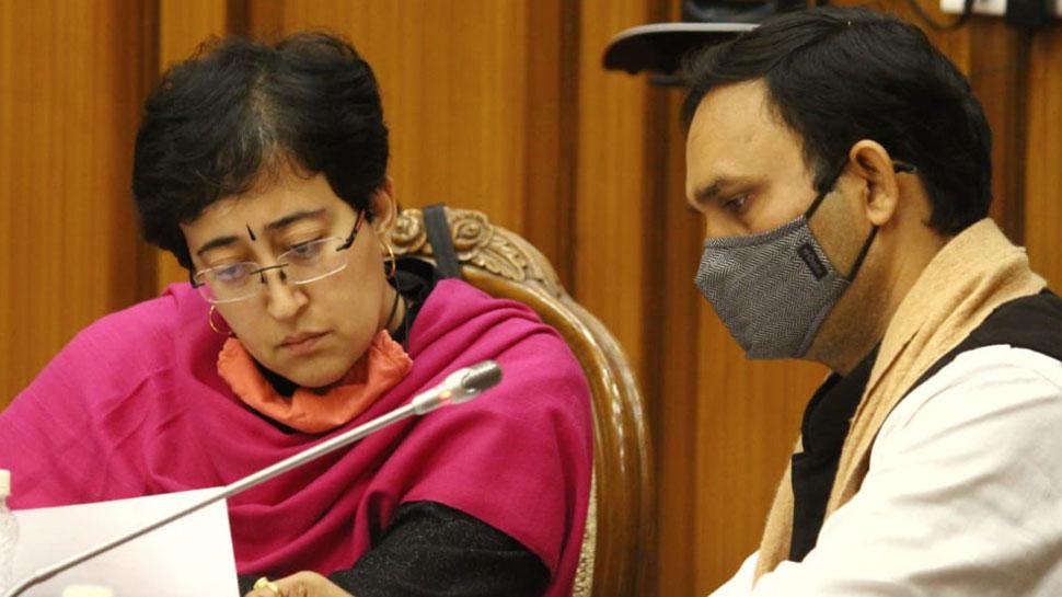 Delhi में सड़कों की सफाई को लेकर MCD को Environment Committee की फटकार