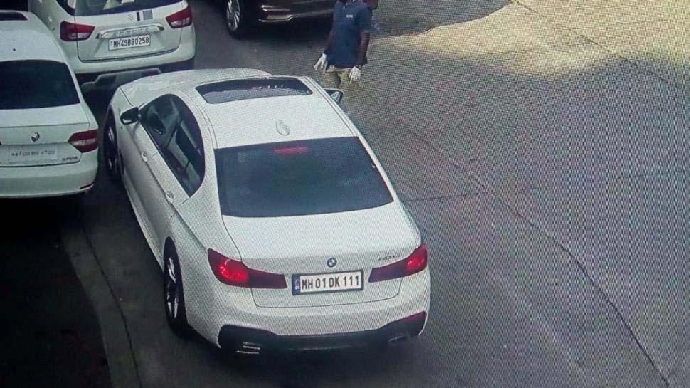 मुंबई पुलिस ने रतन टाटा को भेजा गाड़ी का चालान, लेकिन फिर फर्जीवाड़ा आ गया सामने