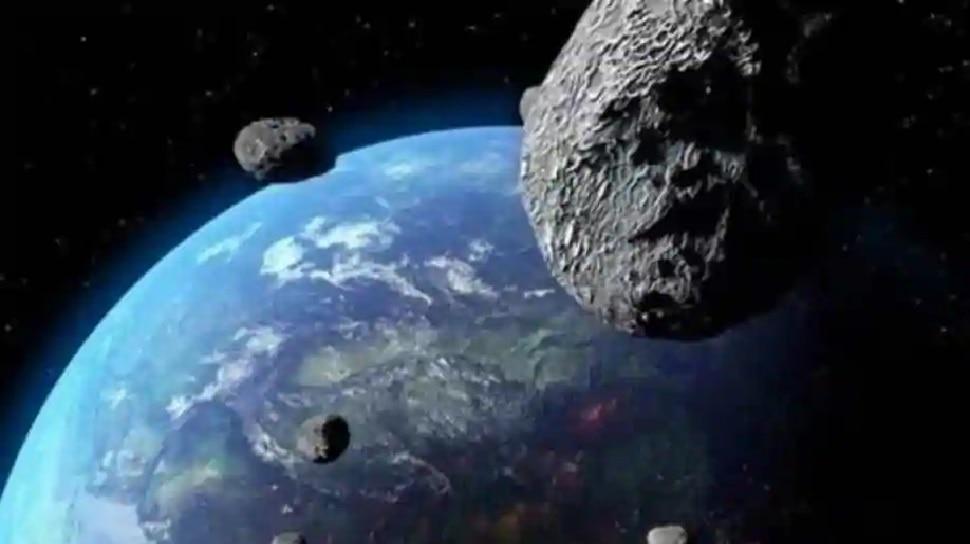 Khaskhabar/धरती की तरफ एक क्षुद्रग्रह (Asteroid) आ रहा है. यह Asteroid आकार में फ्रांस की राजधानी पेरिस में स्थिति Eiffel Tower के करीब-करीब बराबर है. इसे धरती पर एक नए संकट के रूप में देखा जा रहा है. यह क्षुद्रग्रह इस साल के शुरू में किसी भी समय धरती के करीब आ सकता है.इस Asteroid का नाम 2021