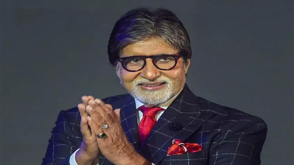 अरे, Amitabh Bachchan ने फैंस को 7 जनवरी को दी क्रिसमस की बधाई!