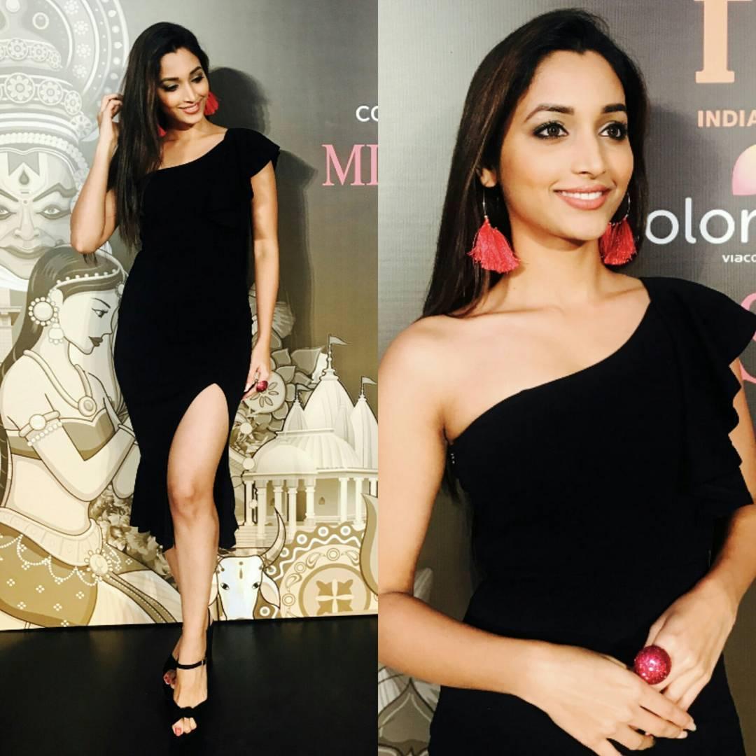 KGF actress Srinidhi Shetty bold photos