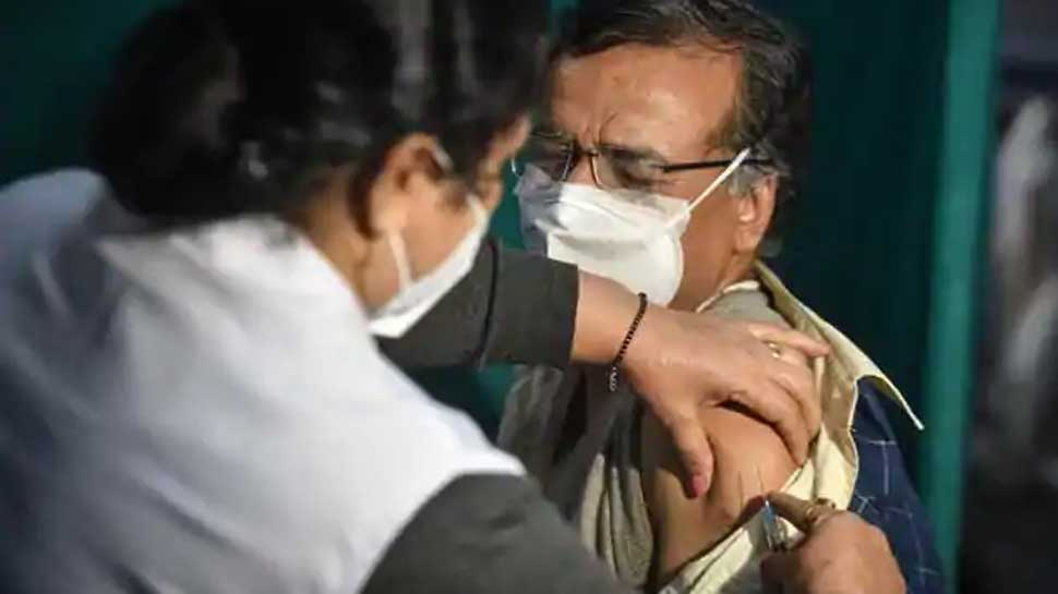 Corona Vaccine: Doctors, Scientists and Medical professionals write open  letter against misinformation being spread about Covid-19 vaccine   Corona  Vaccine के दुष्प्रचार को लेकर देश के डॉक्टरों-वैज्ञानिकों ने ...