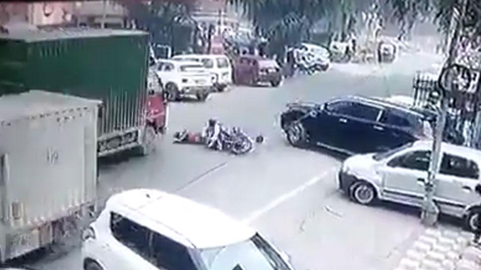 Hit & Run Case: बाइक के पीछे बैठे शख्स की दर्दनाक मौत, CCTV में रिकॉर्ड हुई वारदात