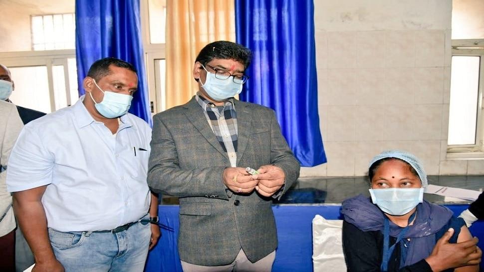Jharkhand में Corona Vaccination की हुई शुरुआत, CM Hemant बोले-वरदान साबित होगा टीका