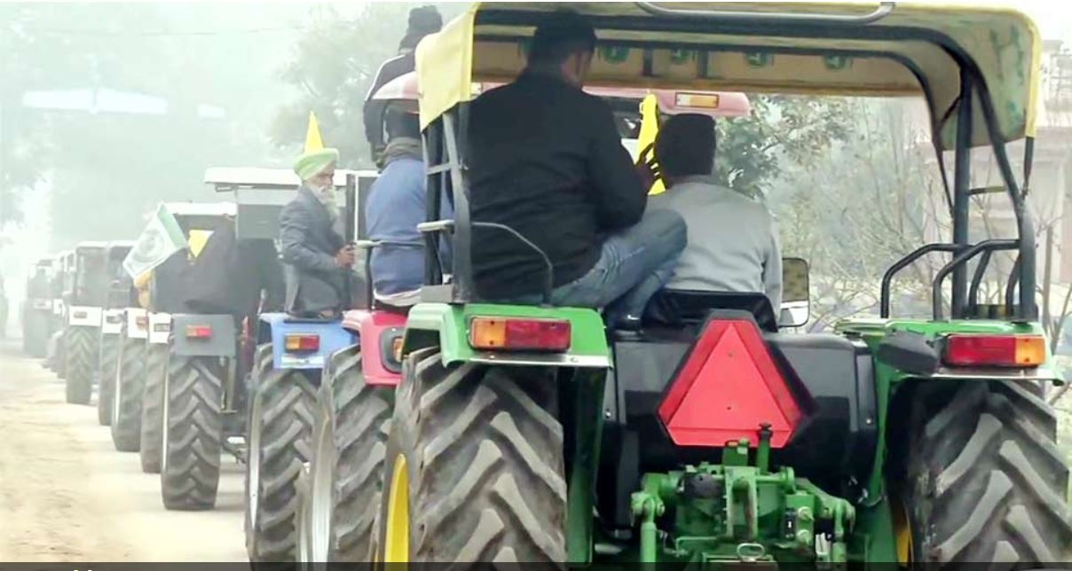 Farmers Protest: ट्रैक्टर रैली पर Supreme Court का फैसला टला, बुधवार को अगली सुनवाई
