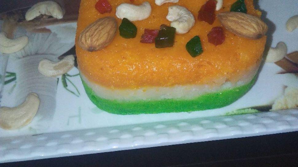 Republic Day Recipe: गणतंत्र दिवस के खास मौके पर इस रेसिपी से बनाएं Tiranga Cake