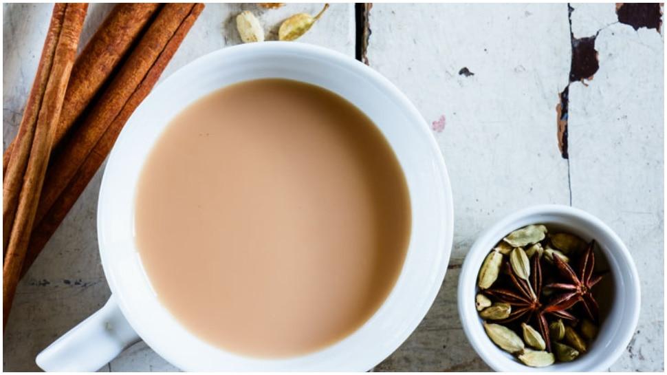 Weight Loss Recipe: वजन कम करने के लिए रोजाना पिएं दूध से बनी यह चाय, जानिए रेसिपी