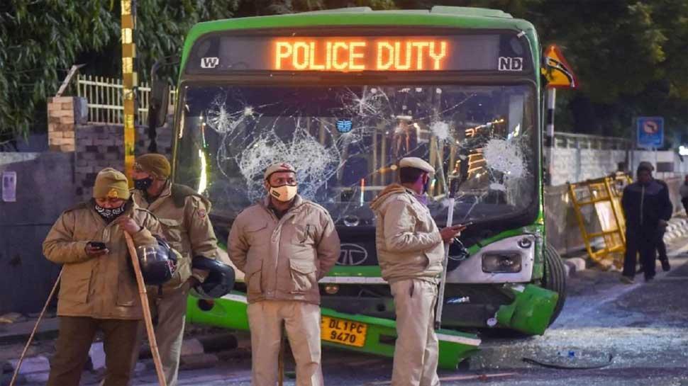 Delhi Police नहीं कर पाएगी DTC बसों का इस्तेमाल, केजरीवाल सरकार ने परिवहन विभाग को दिए ये निर्देश