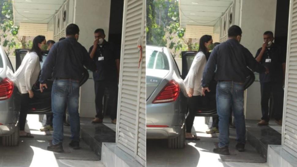 Kareena Kapoor पहुंचीं डॉक्टर के पास, फैंस पूछ रहे- ठीक तो हो?