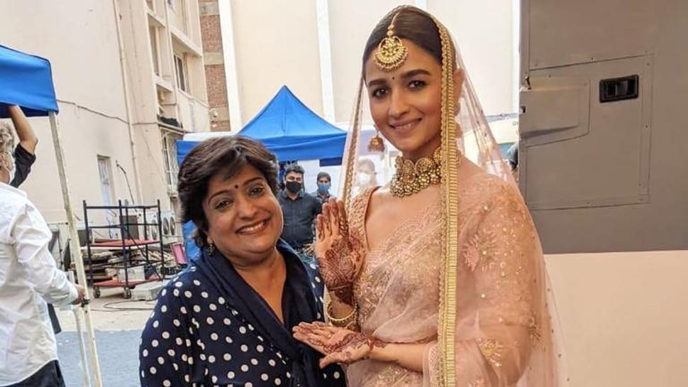 Alia Bhatt ने क्यों लगाई हाथ में मेहंदी, क्या गुपचुप कर ली है Ranbir Kapoor से शादी ?