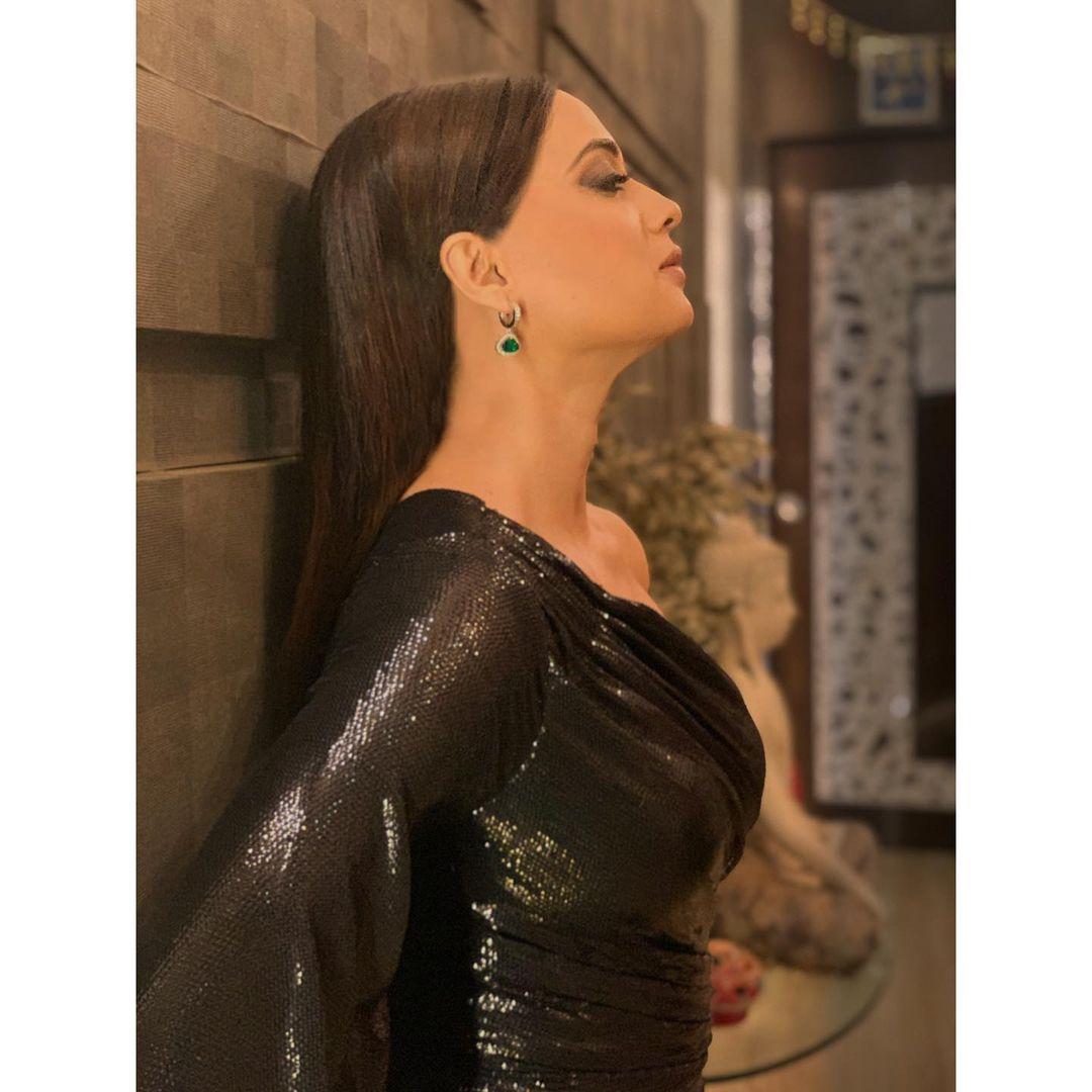 Shweta Tiwari award night look